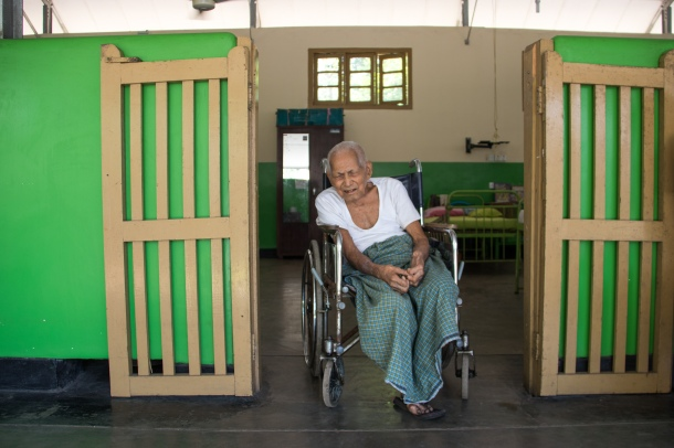 Old_Patient_Leprosy_Hospital_Smriti_Daniel.jpg