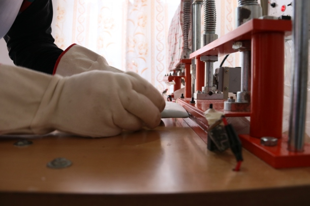 Sealing the napkins closed